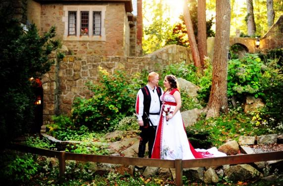 red_white_calla_wedding_bouquet_3.jpg