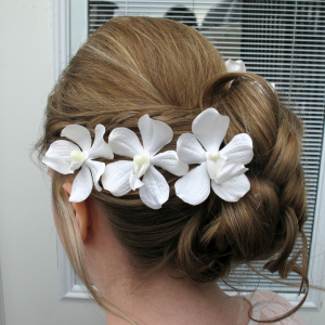 white_orchid_hair_pins_4.jpg