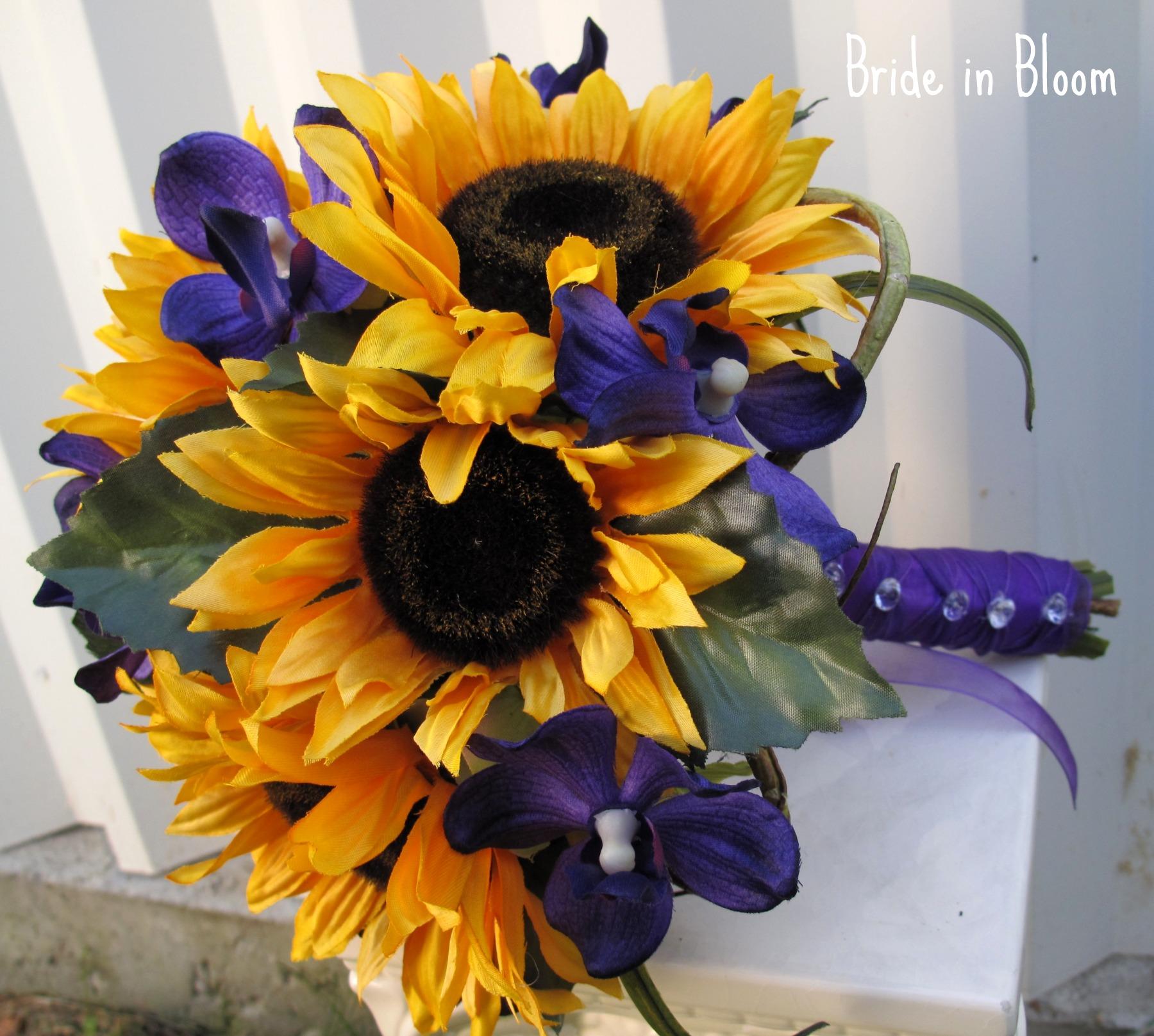 Wedding Flowers With Sunflowers : Sunflower wedding bouquet bride in bloom