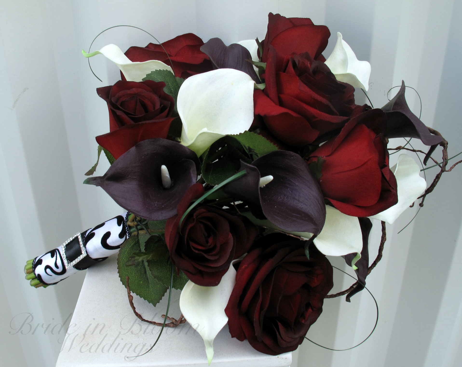 Wedding Flowers Roses And Lilies : Rose calla lily wedding bouquet bride in bloom