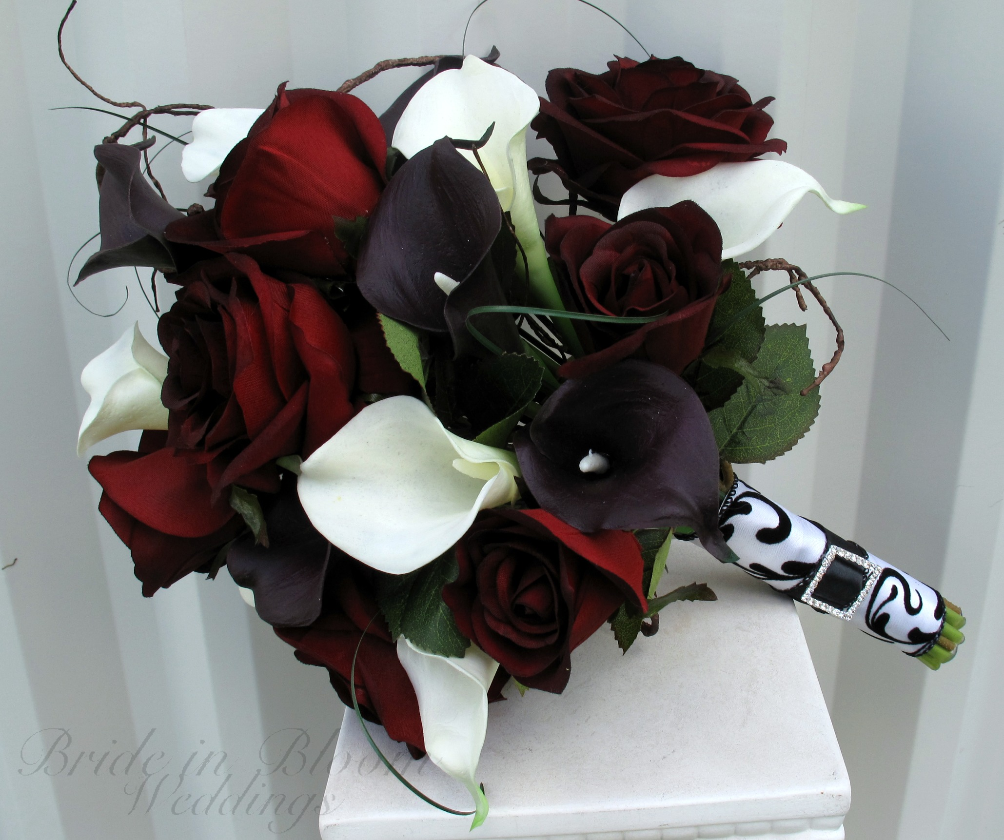 Black And White Rose Bouquet